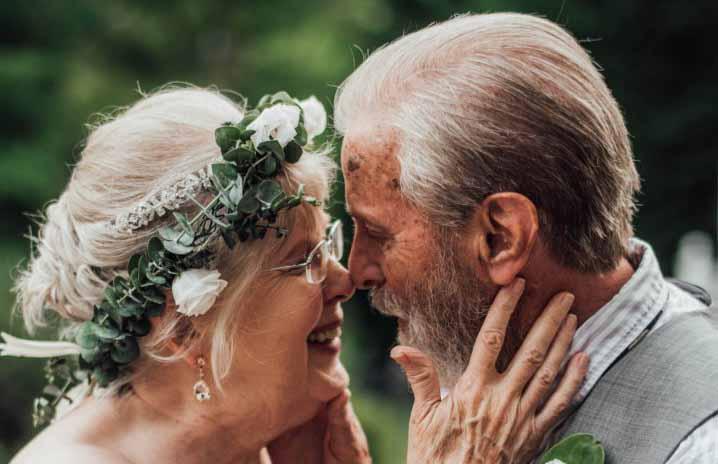 Правнуки устроили им шикарную фотоссесию на 60-летие их брака!