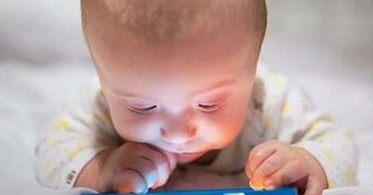 10 причин – почему нельзя разрешать детям использовать смартфон более 1 часа? Заметка для внимательных родителей