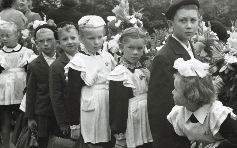 Чем отличались советские школьники от современных детей с гаджетами, и кому пришлось пережить лучшие времена?