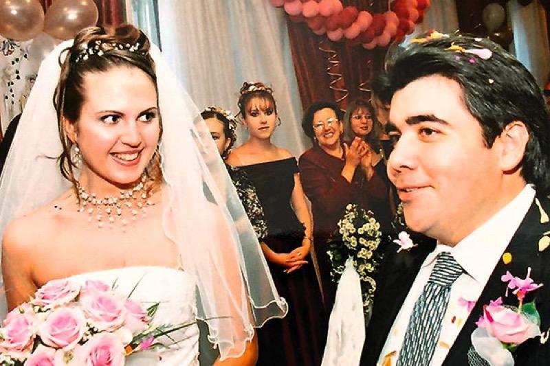 Построили семью на знакомстве через Интернет. Прошло 16 лет, как сложилась их судьба?