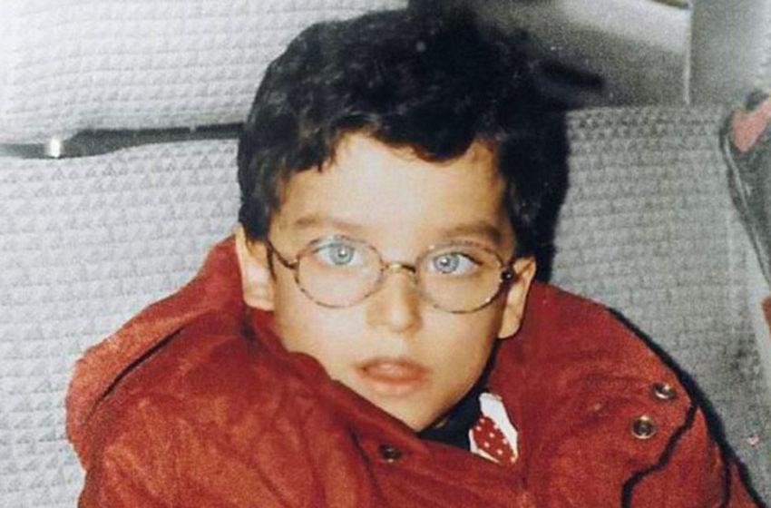 Парнишка с очками сейчас стал самым желанным мужчиной на свете