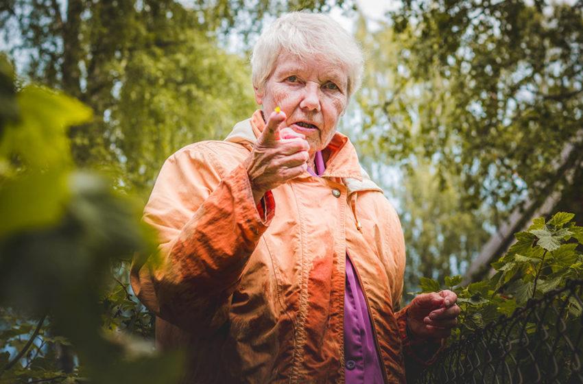 Бабушка с короткой стрижкой — это диагноз