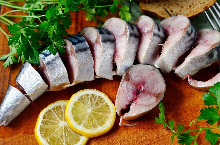 Простой рецепт маринованной скумбрии